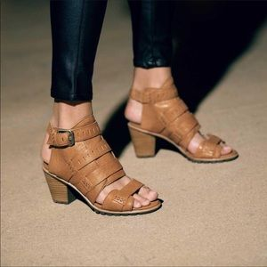 NWT Sorel Nadia Buckle Sandal size 8